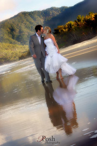 Palm Cove Wedding Kiss